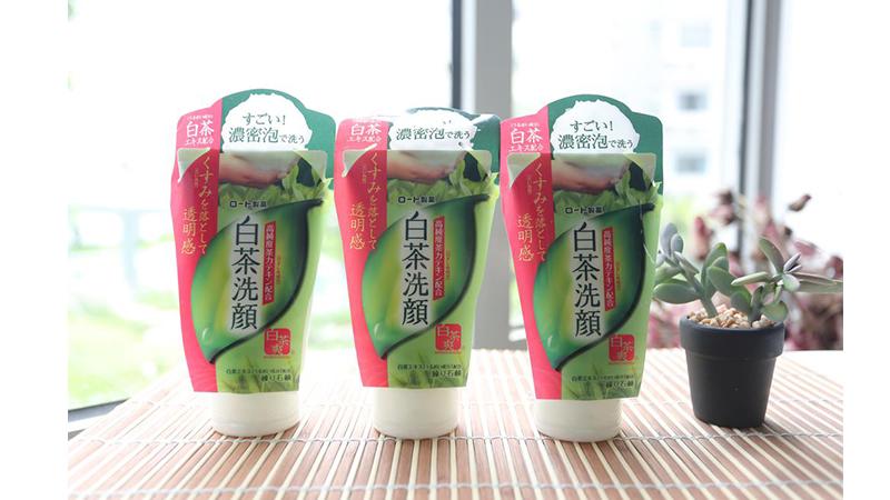 Sữa rửa mặt trà xanh Shirochasou Green Tea Foam Nhật Bản 120gr