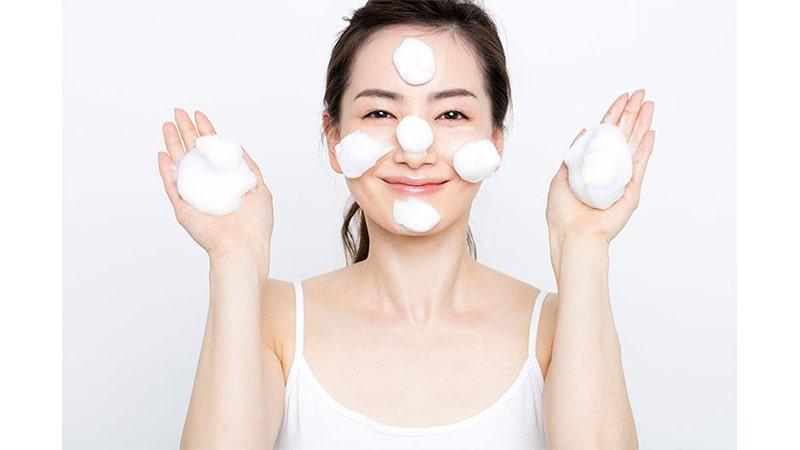 Image result for Tần suất bạn rửa mặt tùy thuộc vào loại da của bạn
