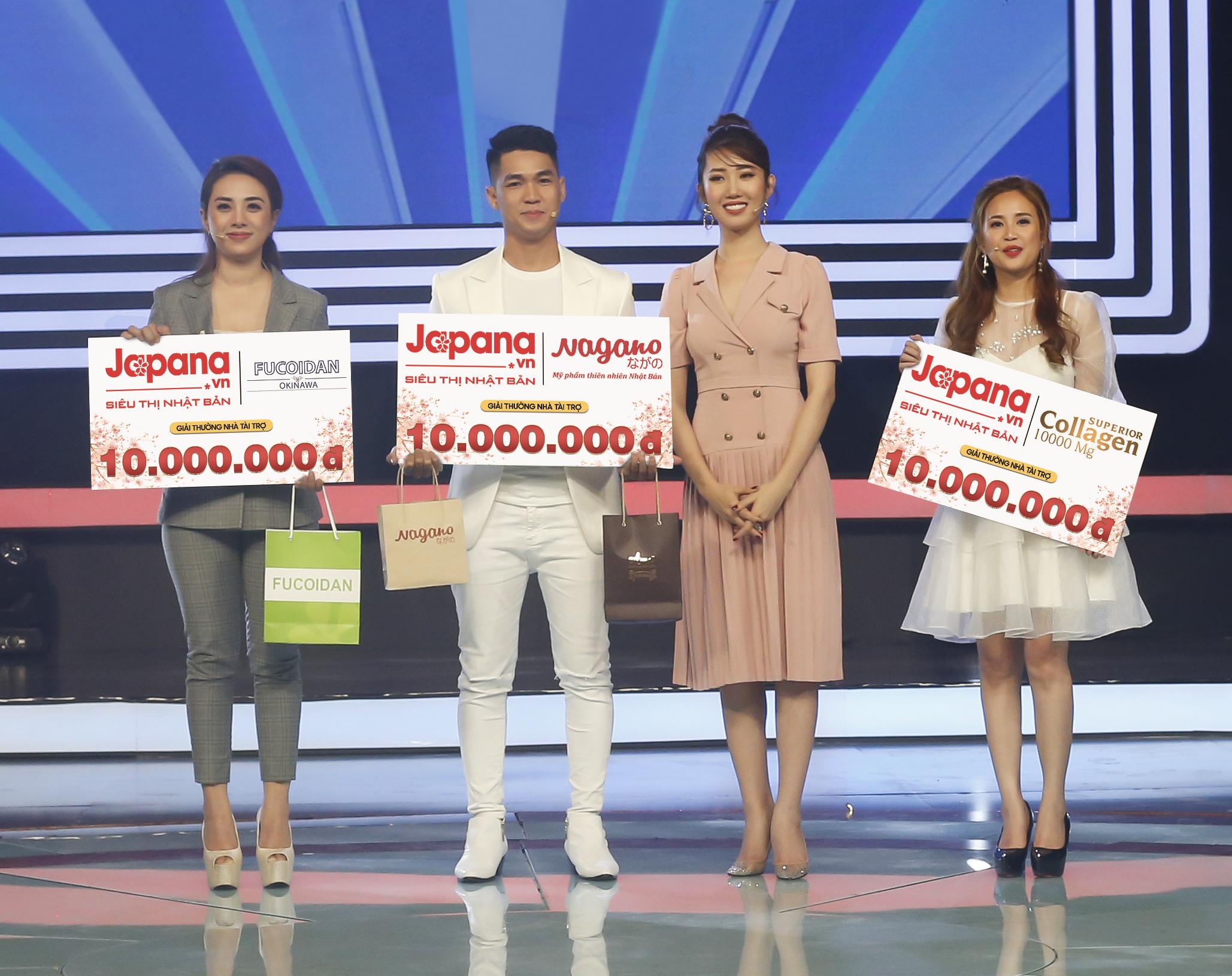 Ca sĩ Miko Lan Trinh và 2 diễn viên Thùy Ngân, Phương Hằng đều là khách hàng thân thiết của Siêu Thị Nhật Bản Japana